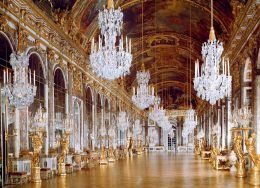 versailles-interior-cr-alamy